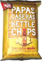 Papas Caseras Kettle Chips con Salsa La Guacamaya