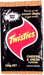 Twisties Cheese & Onion Flavour